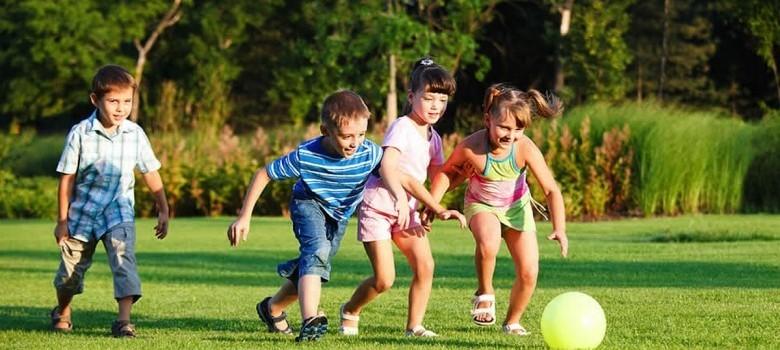 kidsPlayingInPark.jpg.pagespeed.ce_.aAcfZ6e5-M-780x450
